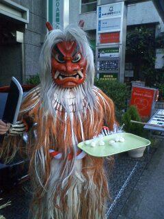 Japan国民生活センター前のなまはげ